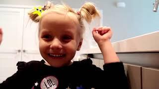 Alice y papá muestran situaciones divertidas con dulces