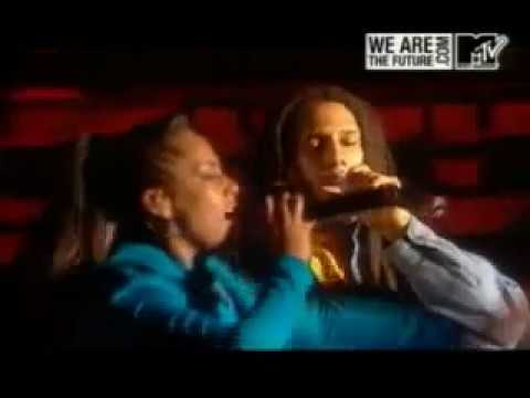 Alicia Keys Ft Julian Marley - War (Live In Rome)