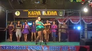 Download 05. MODE SHOW WARIA LUDRUK KARYA BUDAYA
