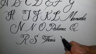 Alfabeto Maiúsculo Com Uma  Perfeita