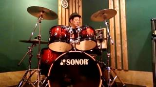 フォリナーの「ダブル・ヴィジョン」(ドラム)です。