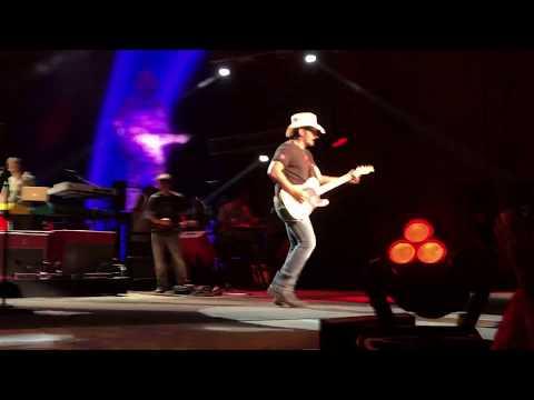 Brad Paisley - Ticks (live at Blossom Music Center)