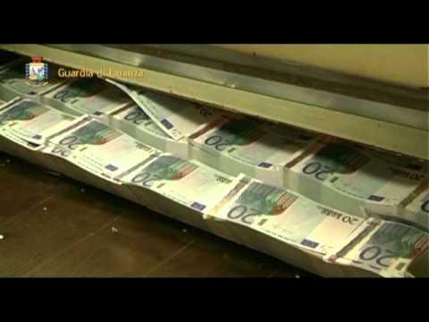 Napoli, blitz della Finanza in una zecca clandestina: arrestati 3 abilissimi falsari