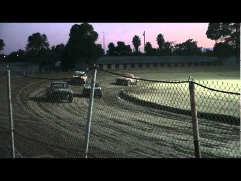 Orland Raceway Trophy Dash Mini Truck Sept 4, 2010.mpg