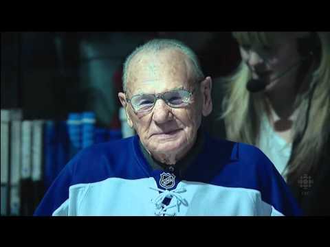 Leafs - Homecoming Night: Ceremonial Puck Drop vs Habs - Dec 11th 2010 (HD)