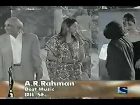 A R Rahman at Filmfare Awards '98 - Best Music (Dil Se)
