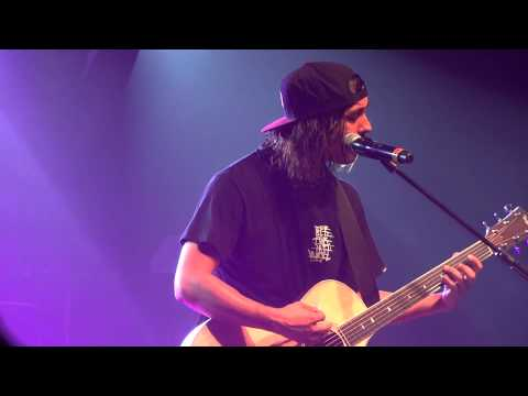 Pierce The Veil- I'm Low On Gas and You Need a Jacket Live