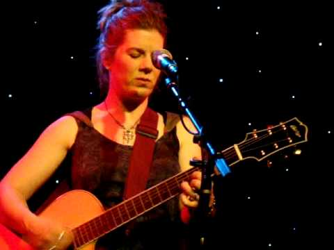 Dar Williams - THE MERCY OF THE FALLEN - live in concert from Teaneck, NJ