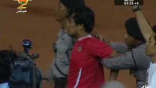 Crazy Indonesia Fan tried to score! Indonesia Vs. Oman 2010 HQ Funny