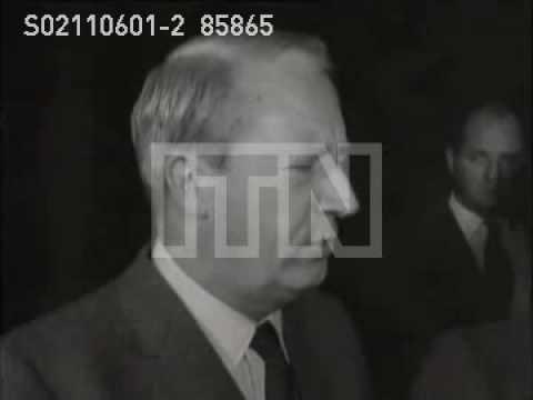 Conservatives Edward Heath and Alec Douglas Home visit Ian Smith for talks  Heath speaks to press