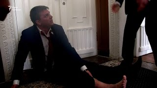 Охоронці Кернеса винесли на руках представника «Українського вибору» із зали міськради