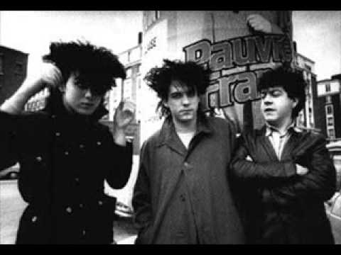 16 Killing An Arab, The Cure, 1982
