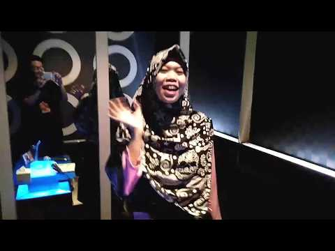 Nazia Marwiana - Terdiam Sepi (Andaikan Waktu Bisa Kuputar Kembali) (Official MV) from YouTube · Duration:  5 minutes 17 seconds