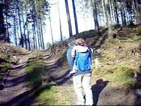 Ida-Frida med Pappa i skogen utanför Aplared.