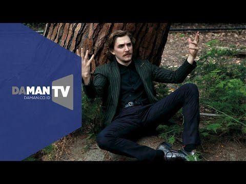 Behind the s with Kyle Gallner