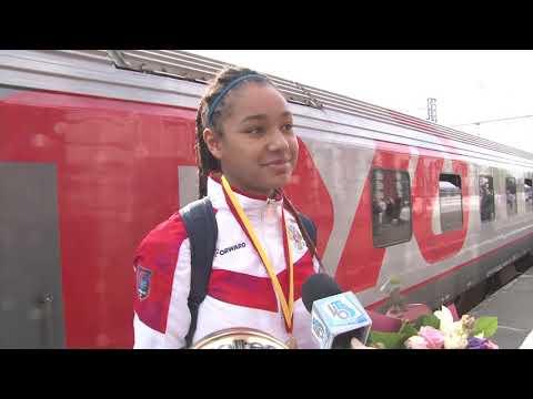Чемпионки Европы U16 Яна Эльберг и Анастасия Олаири Косу вернулись домой
