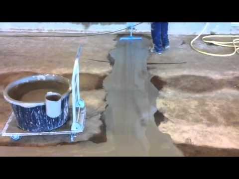 Fußboden Im Hühnerstall ~ Hühnerstall vergießen von fugen im betonboden mit sinnotec youtube