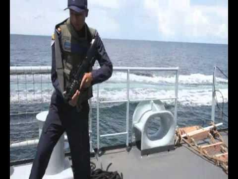 นักเรียนนายเรือฝึกภาคปฎิบัติในทะเลเรือหลวงกระบี่