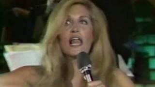 Dalida   1976   Femme Est La Nuit   live