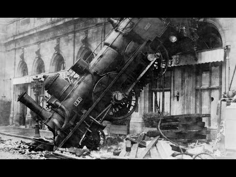 """ECONOMY IS A TRAIN WRECK IN MOTION"" 
