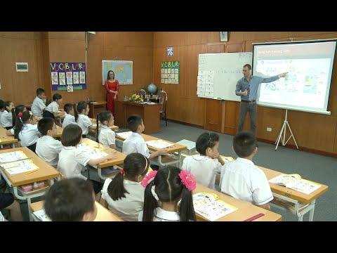 Demo tiết giảng mẫu Tiếng Anh 3 Tập 1 : Tiết 2/ Unit 6/ Lesson1