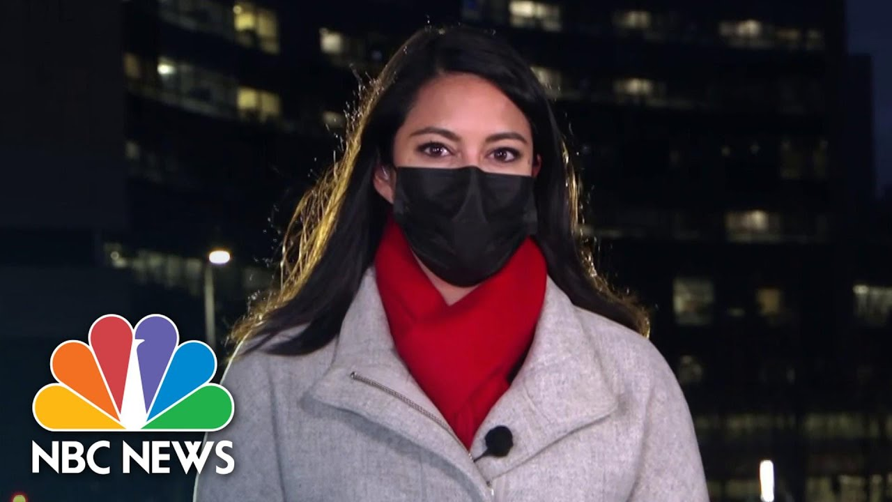Covid Exposure Sidelines 1,000 Cleveland Clinic Staff Members | NBC News NOW