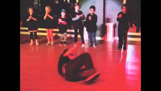 Kids break dancing classes at Df dance studio