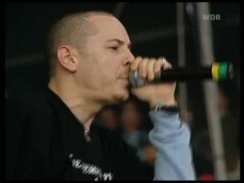 Linkin Park - 08 - Pushing Me Away (Rock Am Ring 03.06.2001)