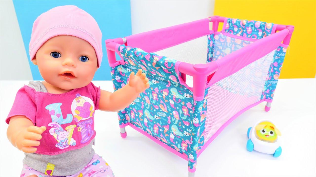 El nuevo corralito para la muñeca bebé. Como mamá. Baby Born en español