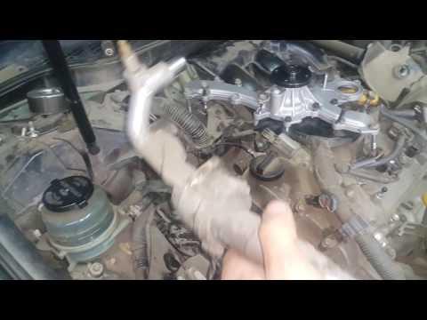 Toyota Camry 3.5 , 2GR-FE замена помпы на месте