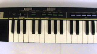 Casio Casiotone MT-36 Electronic Synthesizer Demo