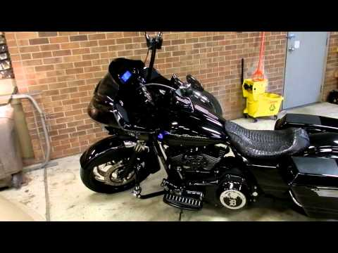 HARLEY 2011 ROAD GLIDE CUSTOM STRECHED BAGS 26 IN FRONT ... on