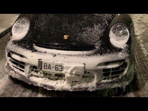 Je sors une Porsche gt2 et une Bentley sous la neige !