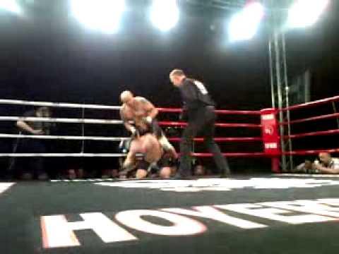 Janos Tiborcz VS John de Wilde