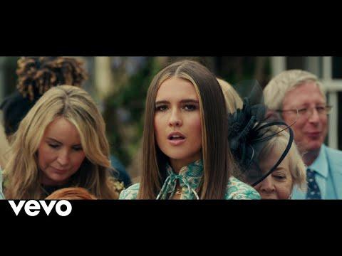 Mimi Webb - Dumb Love (Official Music Video)