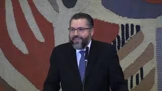 Com a palavra o empossado Ministro das Relações Exteriores, Ernesto Araújo.