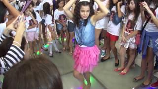 Gabriella Saraivah dança Na Batida - Anitta