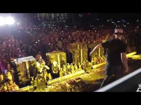 """Justin Bieber """"Where Are Ü Now"""" Performance With Jack Ü At Ultra Music Festival, Miami March 29 2015"""