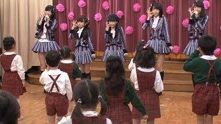 HKT48の指原莉乃(21)ら5人が12日、この日発売された3rdシングル「桜、...