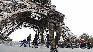 Во Франции введен режим ЧП, впервые со времен войны в Алжире