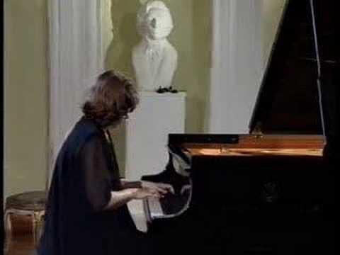 Anna Malikova - Chopin Waltz op.70 no.2