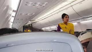 Pramugari dan Pilot Maskapai Sriwijaya Air Persiapan Terbang & Demo Keselamatan Penerbangan