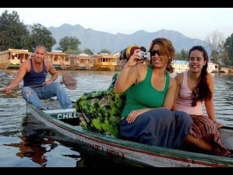 Beautiful Srinagar Dal lake - Jewel in the crown of Kashmir