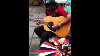 Gitarist Neco Baba - Adilos Bebe