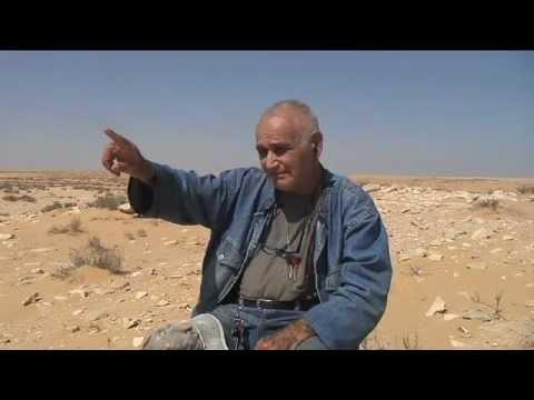 """סיירת שקד-טכניקת הטשטוש וסלילת """"דרך שקד"""". נדב נוימן, בראיון אישי מספר איך עלה הרעיון להתקין מכשיר טשטוש, וכן מה הייתה סיבה ליצור את """"דרך שקד"""" כחייץ בין עזה- מצרים ובין מדינת ישראל, יוזמת הטשטוש בשנת 1957, יוזמה שאומצה ע""""י צה""""ל"""