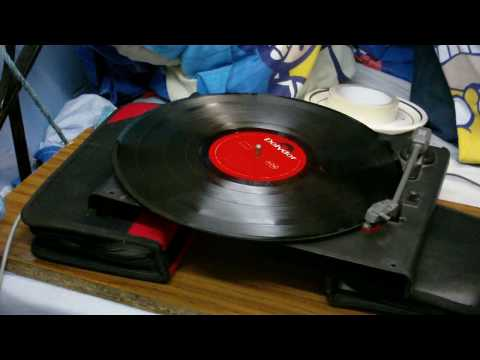 A cheap modern turntable and an ancient valve amplifier