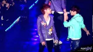 "120211 [FANCAM] INFINITE ""Second Invasion"" 1/3 WooGyu focus"