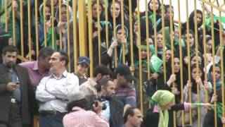 Thousands turn out for Ahmadinejad's rival Mousavi