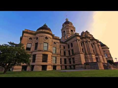 Timelapse of Old Courthouse in Evansville, IN