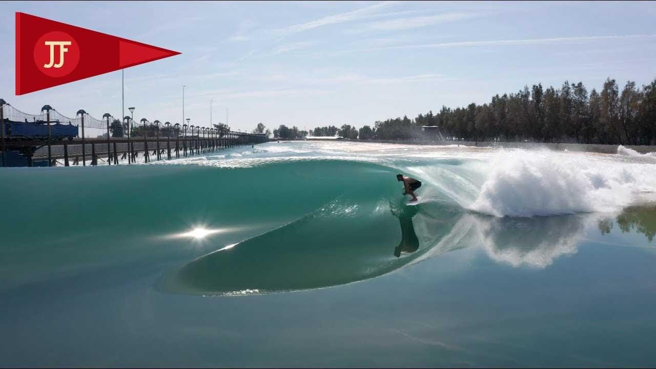 John John viaja para a piscina de ondas de Kelly | INVERNO 2020